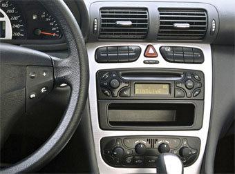 Incar (Intro) Переходная рамка Mercedes C-KLASS (W203) 00-04, VIANO 03-06, VITO до 06, CLK 2DIN (Incar RMB-C00W) (фото, вид 1)