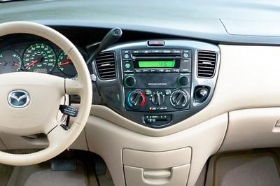 Incar (Intro) Переходная рамка Mazda MPV 2000-2006, Premacy 2DIN (Incar RMZ-N05) (фото, вид 1)