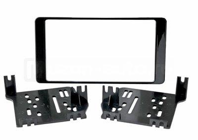 Incar (Intro) Переходная рамка 2DIN Incar RMS-N21 для Mitsubishi Outlander 2013+ (фото)